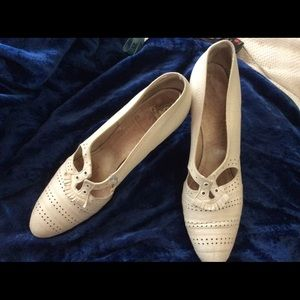 💕 Vintage 1940 Leather Toe Dance WWII Pump Shoes